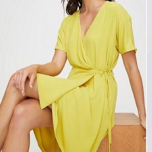 Aritzia wrap dress/ gorgeous yellow/ new with tag